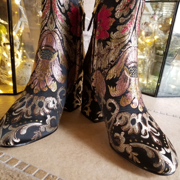 Tapestry boots embroidery