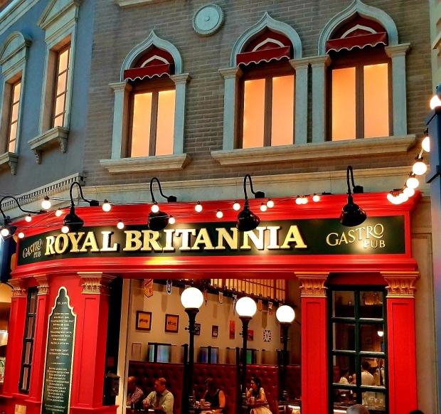 LV english pub at venetian