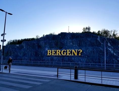 Bergen humor at airport