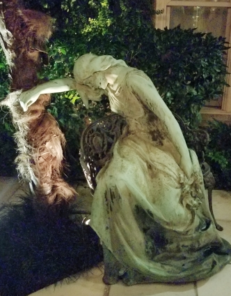weeping statue kessler mansion savannah