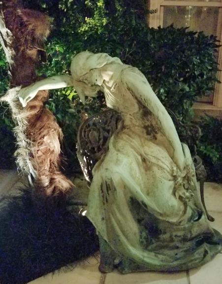 weeping statue kessler mansion savannah